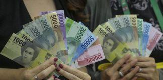 Rupiah Dibuka Menguat ke Rp13.355 per Dolar