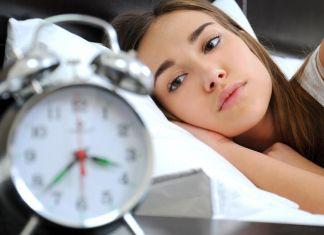 Susah Tidur Pikirkan Masa Depan Anak? Ikuti Saran Ahli