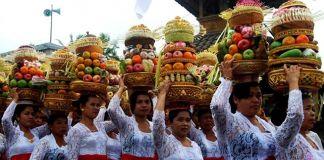 Laksanakan Ritual Yadnya, Umat Hindu Perbaiki Tempat Suci