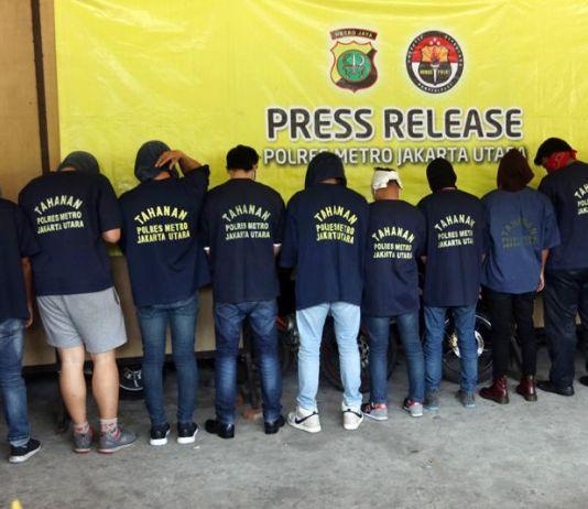 Polisi Telah Lindungi Masyarakat dengan Gerebek Pesta Seks 'Gay'