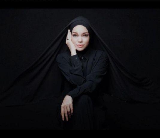 Bisnis Kue Khas Semarang, Dewi Sandra Tuai Pujian Netizen