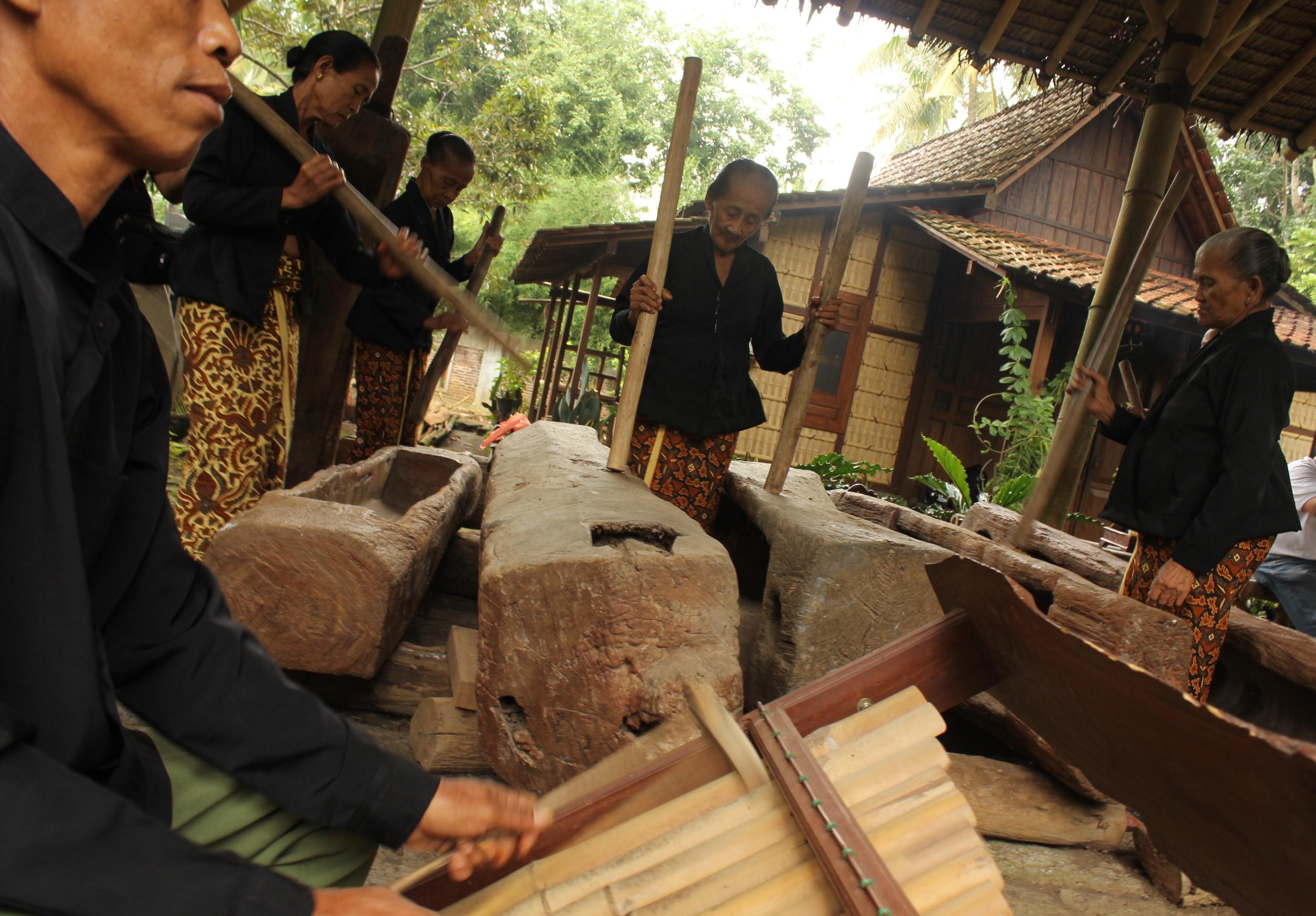 Inilah Suku Osing Suku Yang Paling Tahan Banting Di Jawa Ti