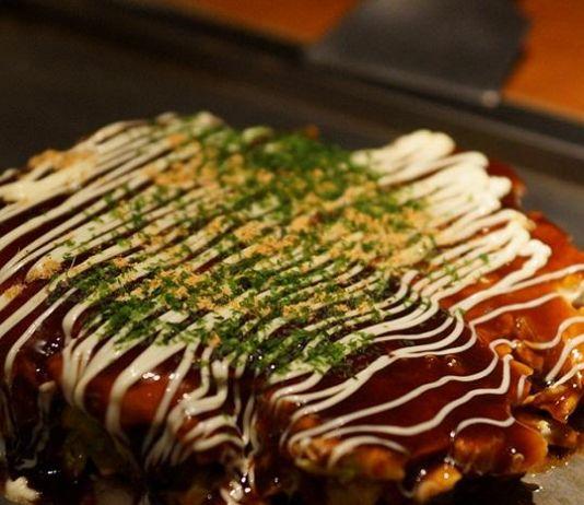 Warnai Akhir Pekan Anda dengan Okonomiyaki Aneka Isi