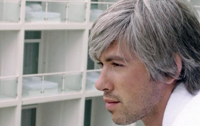 Why Younger People Are Getting Gray Hair - Hairstyle anak muda