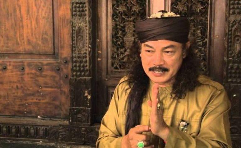 Pemimpin Pondok Pesantren Abdurrahman Wahid (Gus Dur) Soko Tunggal, KH Nuril Arifin Husein
