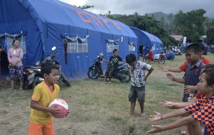 Almost 144000 flee menacing Bali volcano