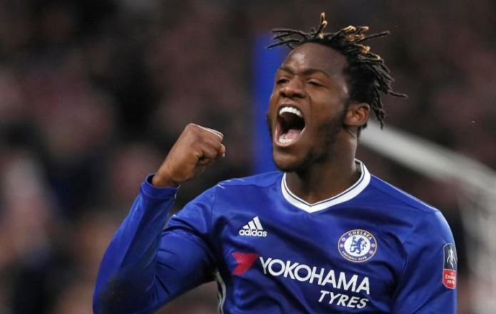 Batshuayi: Hazard spoke with me