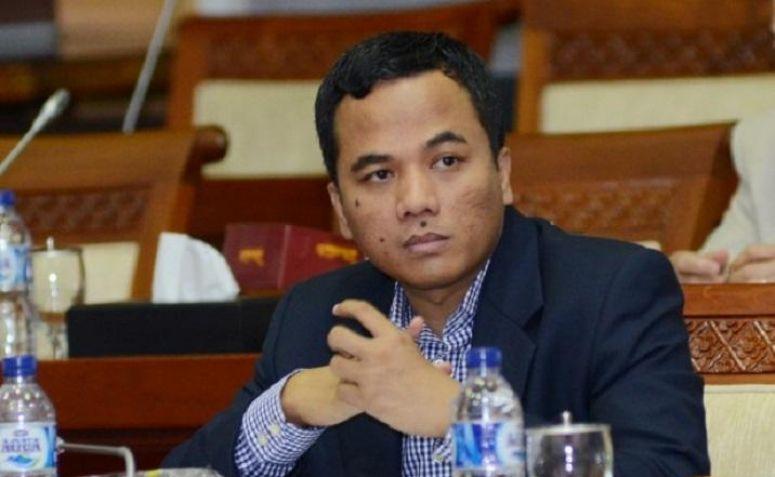 Ketua Ppp Photo: Soal Konten Porno Di WA, DPR Minta Pemerintah Bersikap
