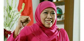 Mensos Serahkan Bantun ke Korban Banjir Lombok