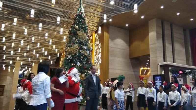 Pertama Kali! Grand Mercure Jakarta Kemayoran Gelar Christmas Tree Lighting