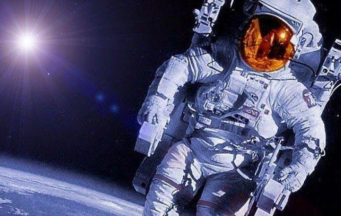astronaut reaching space - photo #9