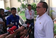 Soal Becak, Ruhut: Suka-Suka Anies lah, Dia <i>kan</i> Gubernur
