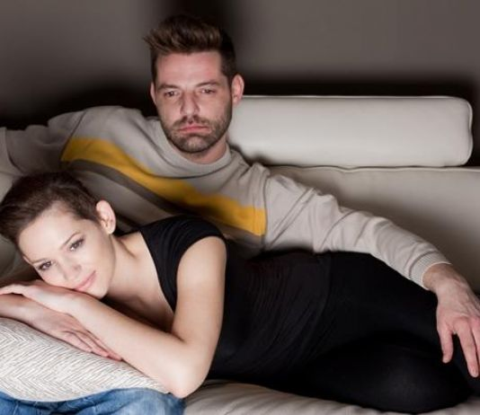 Istri Berperan Kembalikan Kepercayaan Diri Bercinta Suami Penderita Diabetes