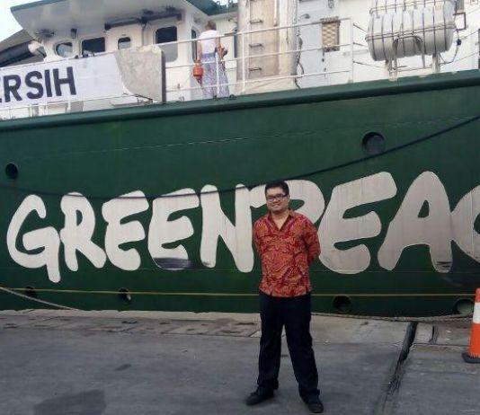 Ananda Sukarlan Pianis Pertama Dunia yang Pentas di Atas Kapal Greenpeace