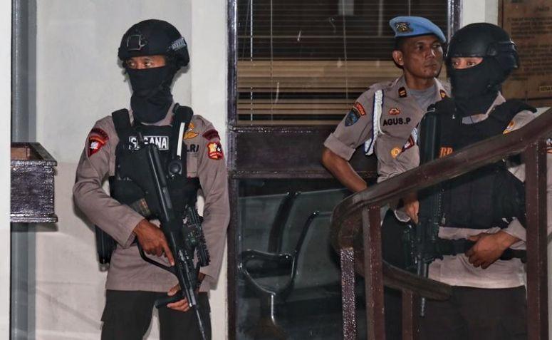 Sidang Aman Abdurrahman, Polisi Bersenjata Berjaga di Tiap Sudut PN Jaksel