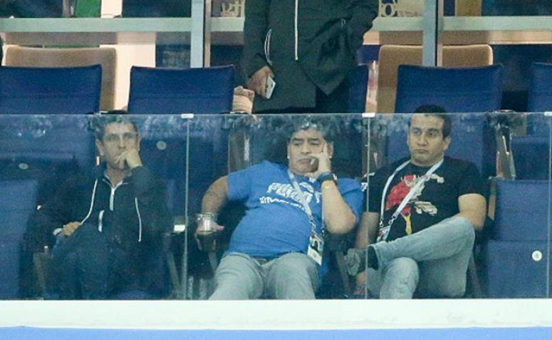 Maradona Menangis Saksikan Argentina Dibantai Kroasia