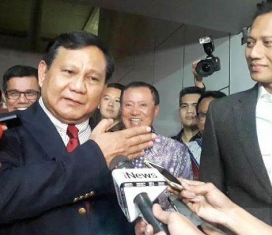 Jenguk SBY, Prabowo Ogah Bicara Koalisi di Rumah Sakit