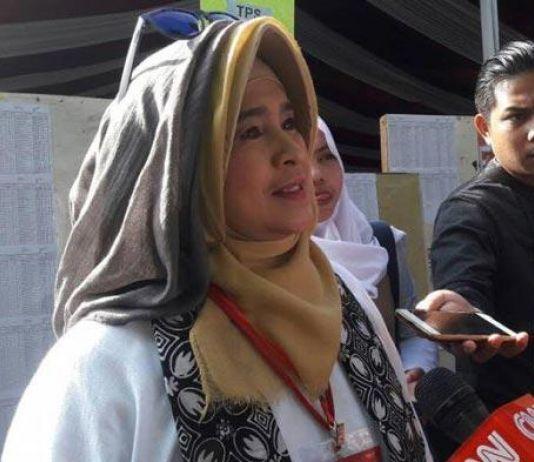 Insiden di Bandara Pekanbaru, Neno Warisman Dipersekusi?