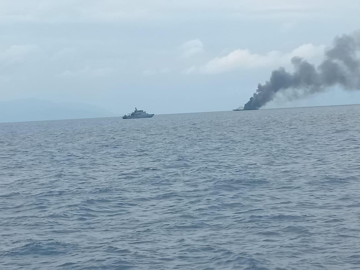 KRI Rencong-622 terbakar di perairan Sorong, Papua Barat