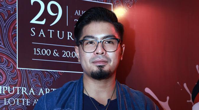 Bambang Reguna Bukit atau akrab disapa Bams, mantan vokalis band Samsons.
