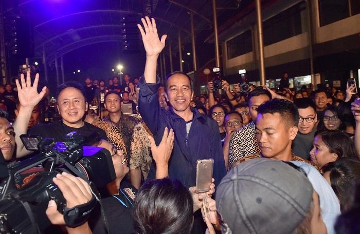 Guns N' Roses Siap Guncang Jakarta, Jokowi Mau Nonton?