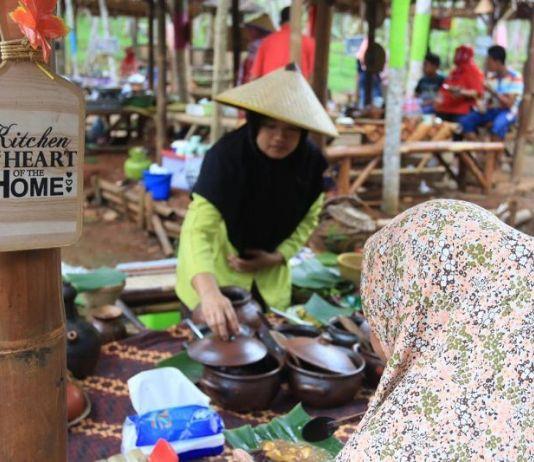 Begini Suasana Pasar Karetan  yang Tumbuh Bersama Komunitas Netizen