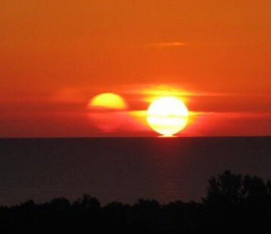 Ilmuwan Klaim Matahari Miliki Kembaran Identik