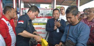 Menteri Jonan Luncurkan SPBU BBM 1 Harga di Nias