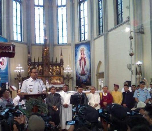 Tinjau Katedral, Gubernur Anies Ajak Umat Saling Menghormati dan Menjaga Persatuan