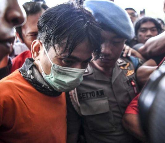 Aris, Jebolan Indonesian Idol 2008 Ditangkap Saat Pesta Sabu di Apartemen
