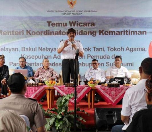 Kunjungi Sukabumi, Begini Janji Menko Luhut kepada Nelayan Cikahuripan