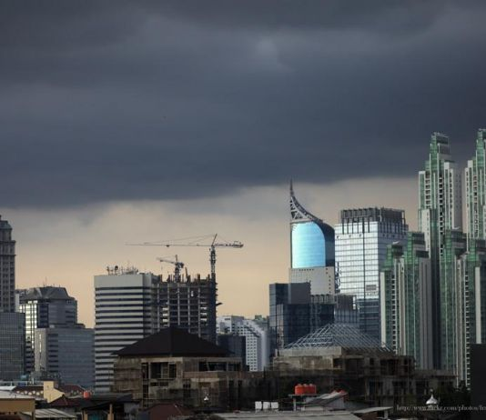 Waspada! Dua Wilayah Jakarta Ini Berpotensi Hujan Disertai Petir dan Angin Kencang
