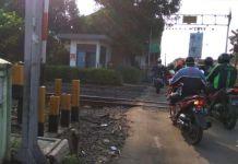 Ngeri! Kuntilanak Menampakkan Diri di Lintasan Kereta Api Cilebut, Bogor