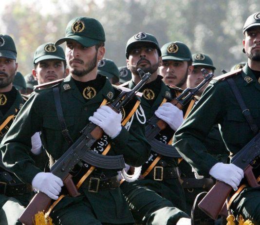 Agensi Model Digerebek Pasukan Elit Gara-gara Promosikan Ketidaksopanan di Iran