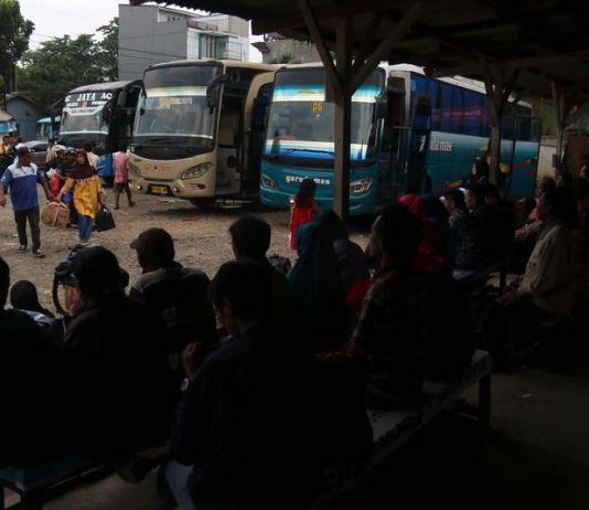 Cegah Gelombang Massa ke Jakarta, TNI/Polri <i>Sweeping</i> Stasiun dan Terminal di Jember