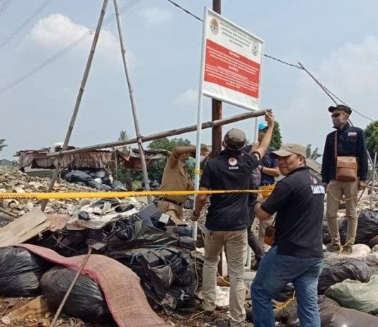 Penyidik Kementerian LHK Segel Empat Lokasi TPS Ilegal di Cileungsi