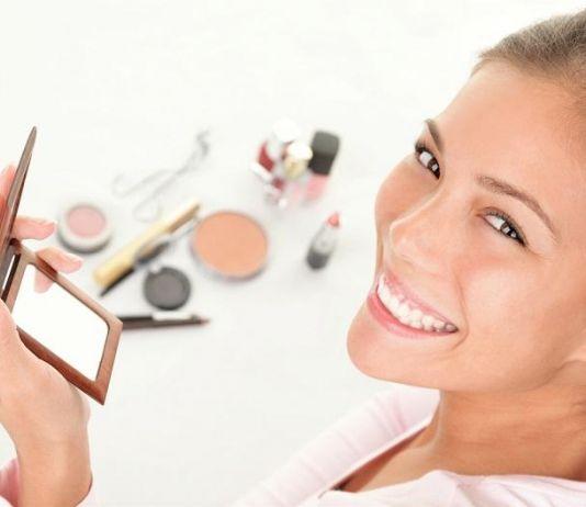 Coba Trik Makeup Ini, Dijamin Bikin Payudara Terlihat Besar