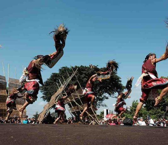 Festival Sindoro Sumbing Hadirkan 10 Kesenian Negara ASEAN