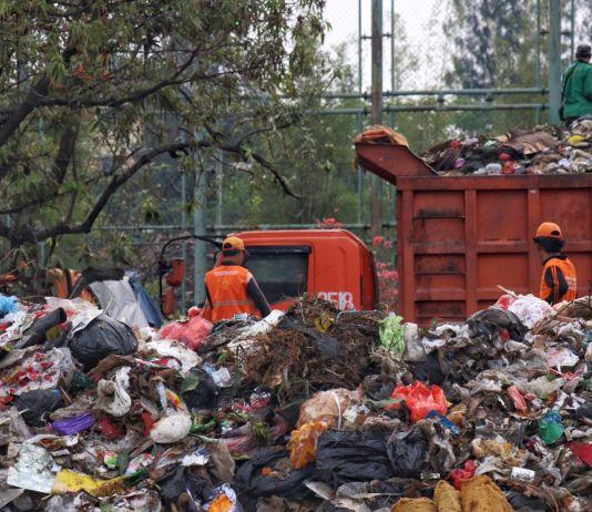 Acara Malam Puncak Perayaan HUT DKI Hasilkan Sampah Sebanyak 73 Ton