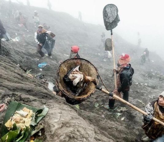 Upacara Yadnya Kasada Suku Tengger jadi Daya Tarik Wisata Kuat Bagi Bromo