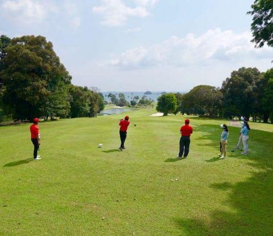 Main Golf di Batam Rasakan Sensasi Lapangannya
