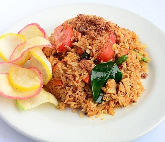 Segarnya Nasi Goreng Tom Yam Menu Sarapan dan Makan Malam Anda