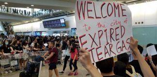 Layanan Check In Bandara Hong Kong Dihentikan
