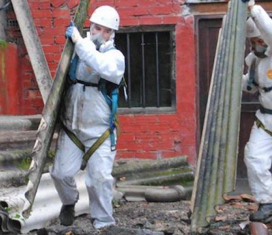 Puing Reruntuhan di Lombok Mengandung Asbestos yang Bahaya Bagi Manusia