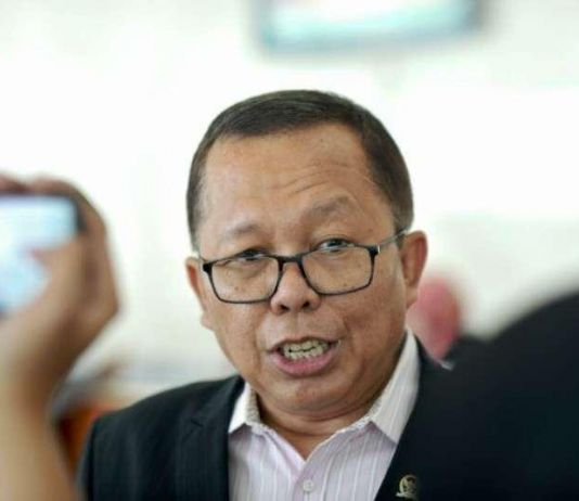 DPR Minta Capim KPK Teken Kontrak Politik di Atas Materai, Untuk Apa?