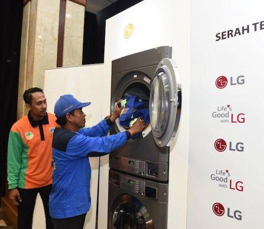 Dukung Layanan Masyarakat, LG Hibahkan Mesin Cuci Laundry ke Jakarta Barat