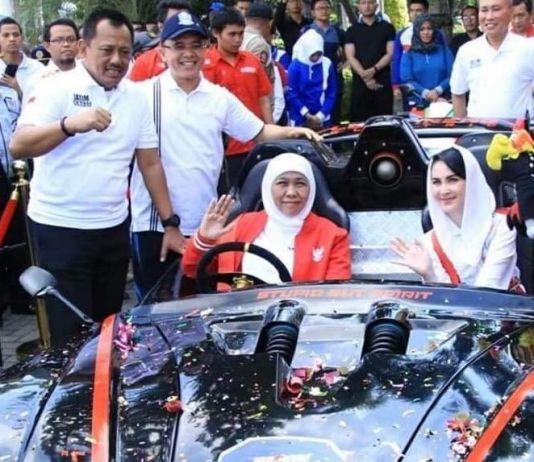 Jajal Mobil Listrik Buatan ITS, Kata Khofifah: Keren!