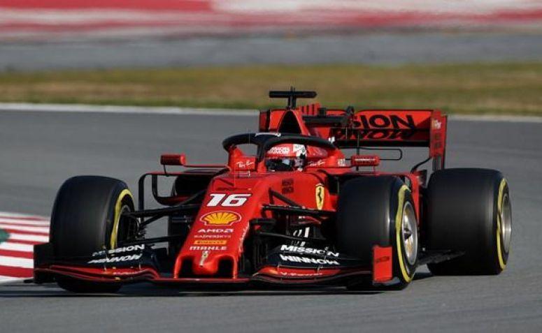 Pebalap Ferrari Charles Leclerc Amankan Pole Position GP Singapura