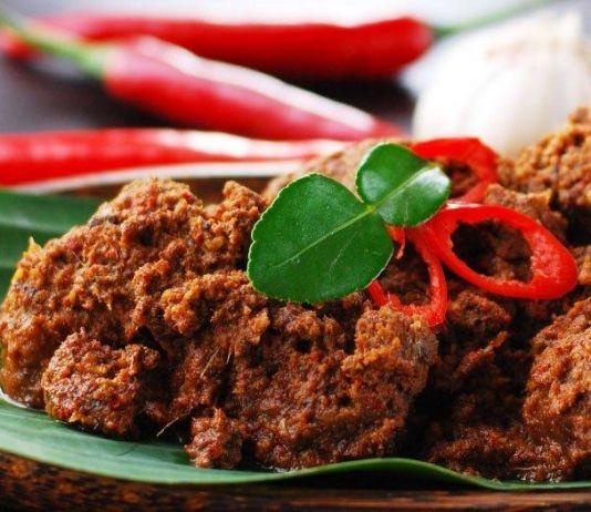 Ketika Kuliner Khas Suku Minang Goyang Lidah Warga Hongaria