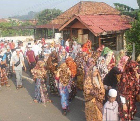 Kerudung Perempuan Hanya Terlihat Mata, Kini Dimarakkan Lagi di Jambi